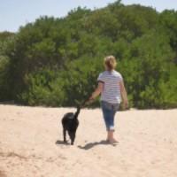 Kylie at beach 300x300.jpg